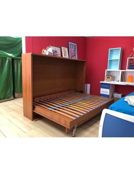 Cama abatible horizontal abierta para colchones de 135x190 en color cerezo de Livemar en liquidación.